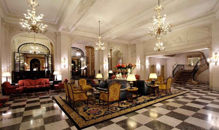 Le Plaza Hotel lobby