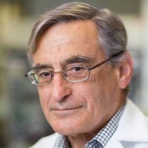 Doug Richman speaking at World Antiviral Congress