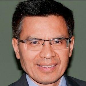 Vu Truong speaking at World Antiviral Congress