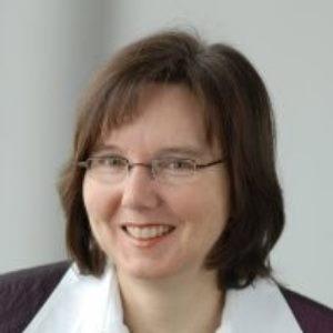 Monika Manske speaking at Drug Safety Congress