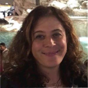 Valentina Mancini speaking at Drug Safety Congress