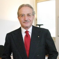 Maurizio Dècina | Professor Emeritus | Politecnico di Milano » speaking at Connected Italy