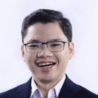 Lloyd Dennis Manaloto   FVP, Group Head, Corporate Marketing & Strategy   Smart Communications » speaking at Telecoms World