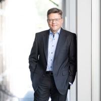 Sören Trebst | CEO | 1&1 Versatel » speaking at Connected Germany 2021