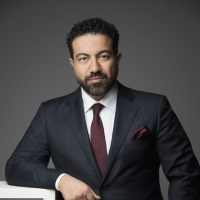 Arash Dara speaking at Middle East investment Summit